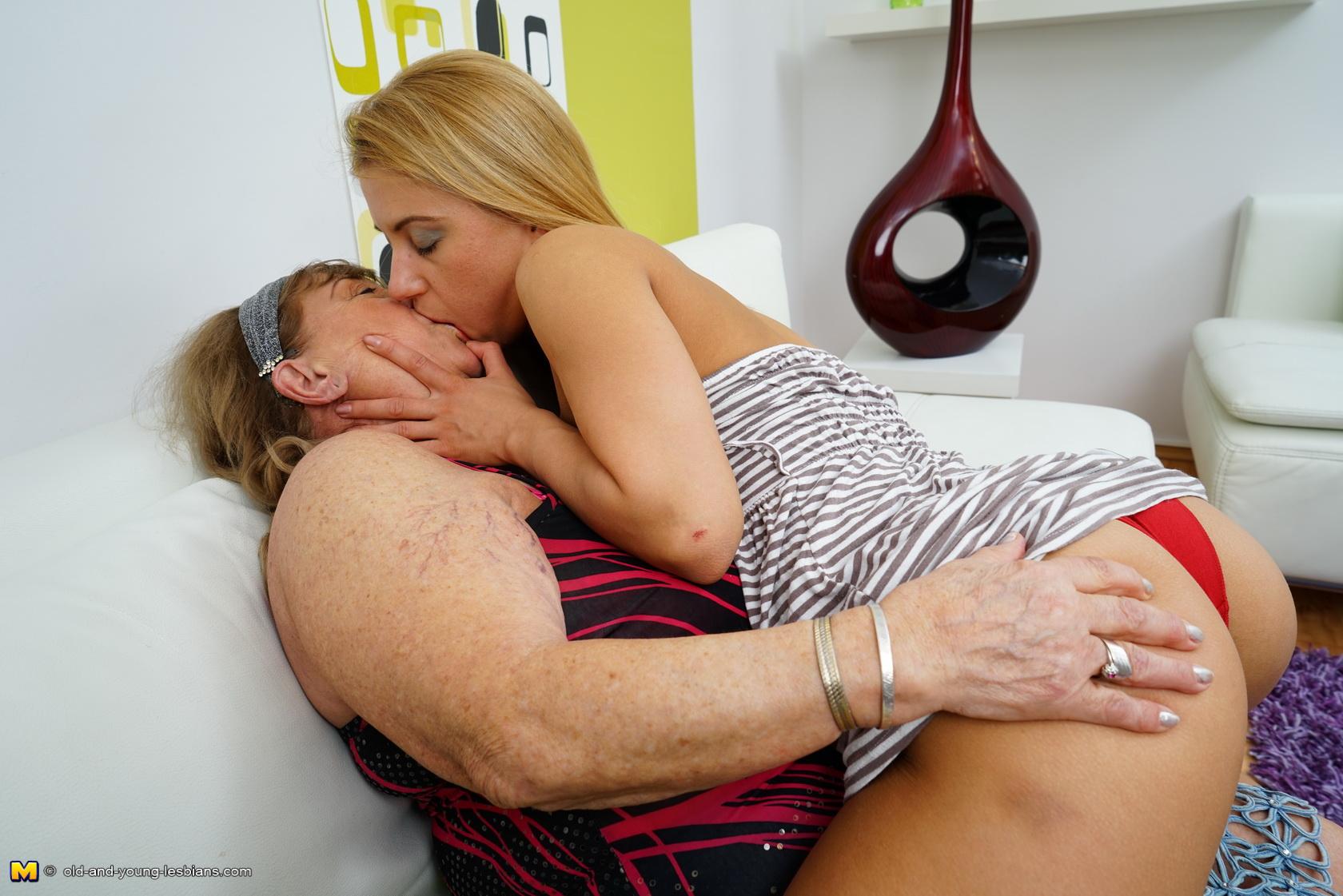 Big Tit Brunette Cougar